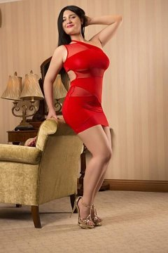 Curvy Nina (Scottish Escort)